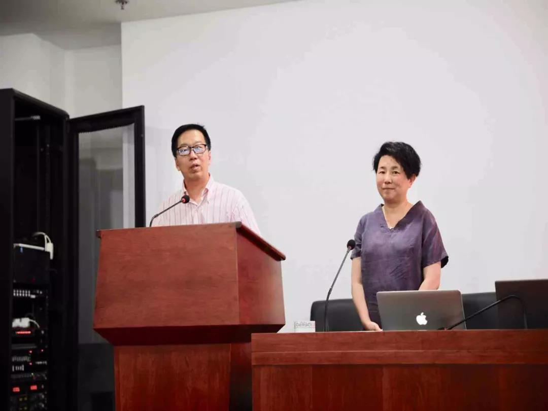 中央美术学院李辰教授来我院举办壁画艺术公益讲座