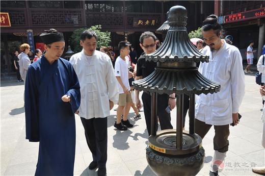 重慶市道教協會參訪團一行參訪上海城隍廟