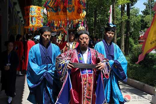 湖北省道教协会己亥年全真派道士冠巾活动在蕲春普阳观举行