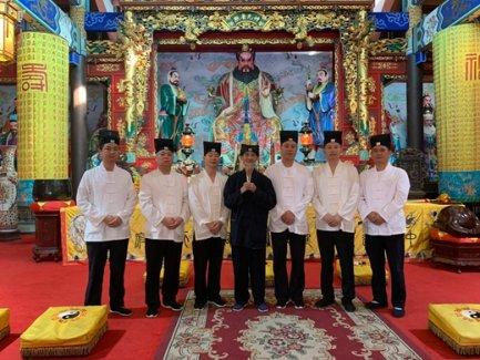邱裕松老道長在天師府舉行封筆儀式