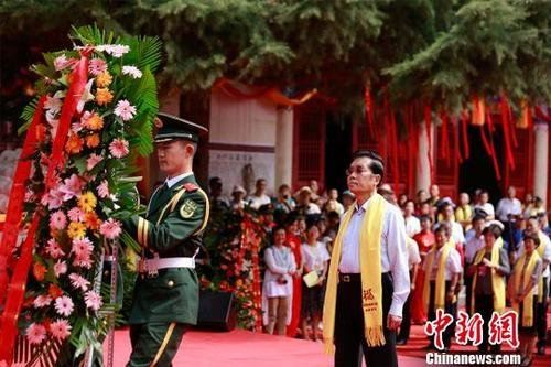 台湾文化教育商界参访团参访西王母故里