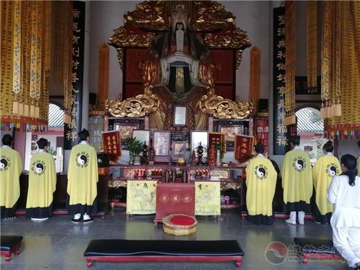 湖南道教宫观举行纪念抗日战争暨世界反法西斯战争胜利74周年祈福法会