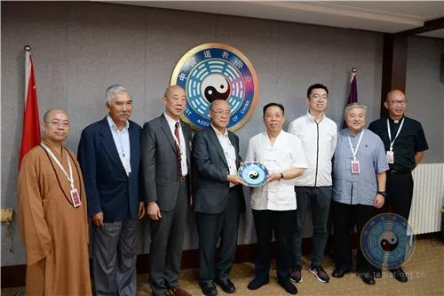 香港六宗教领袖座谈会北京交流团拜访中国道教协会