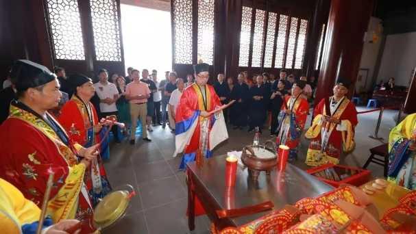 上海财神庙举行庆祝新中国成立70周年祈福法会
