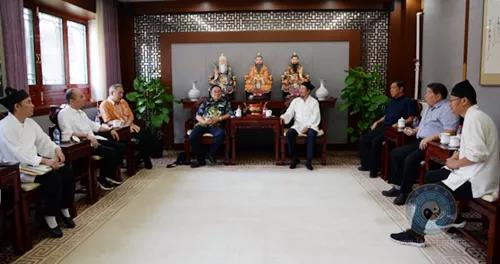 印尼三教庙宇协会代表团一行拜访中国道协