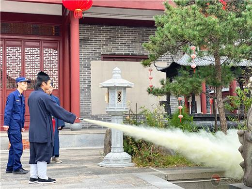天台县消防大队对浙江道教学院师生进行消防安全指导