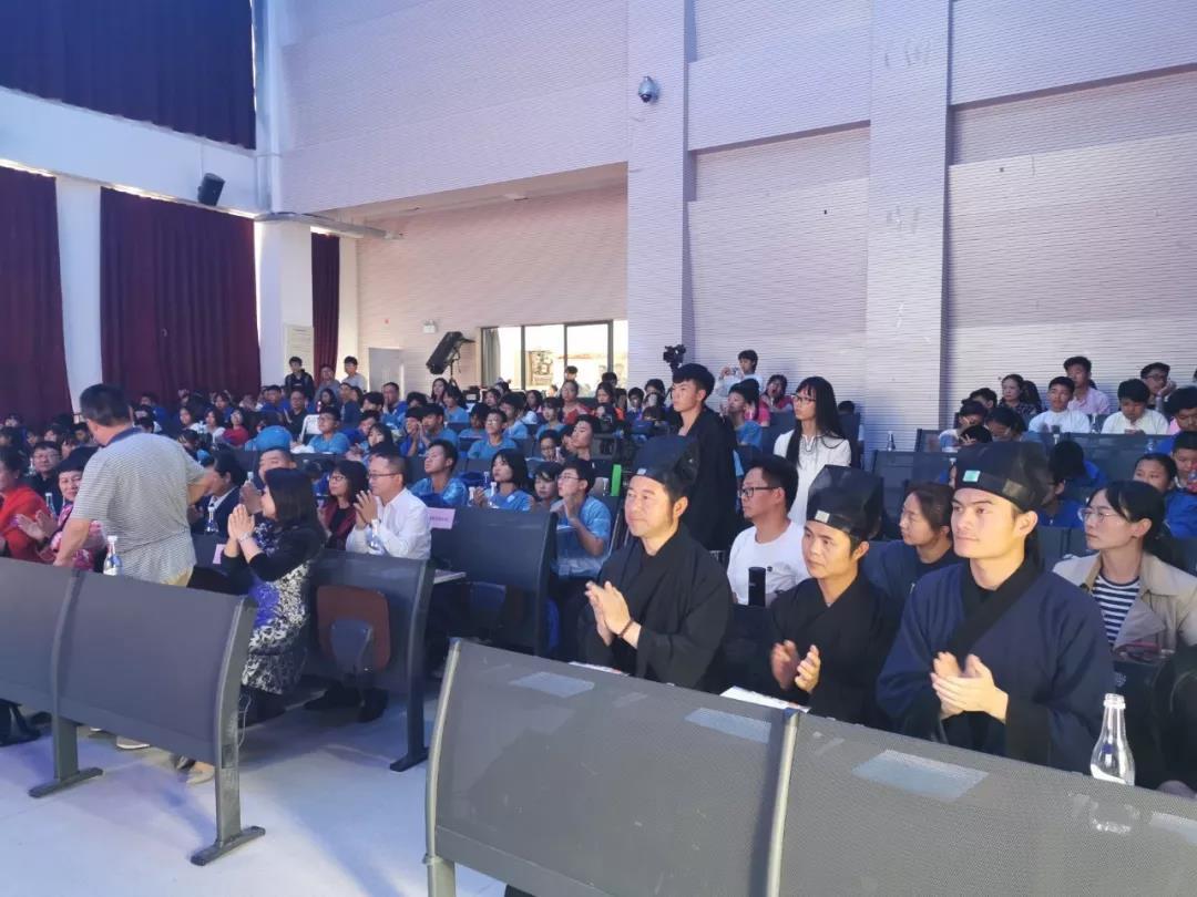 """昆明盘龙区道协爱心捐赠海外""""昆明书屋""""项目"""