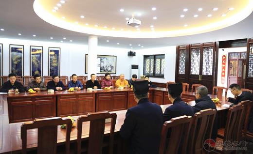 大连市甘井子区委常委、统战部长一行参访苏州玄妙观