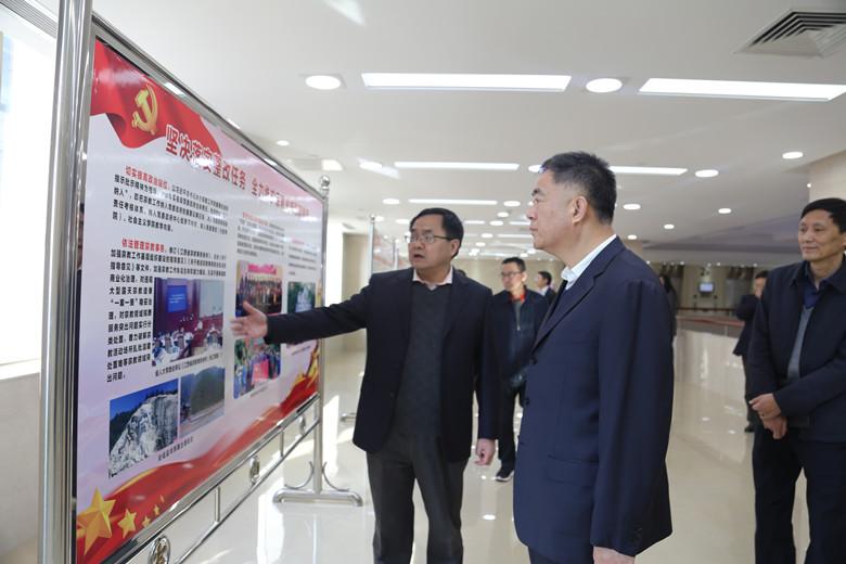 江西省人大常委会党组副书记、副主任调研江西省民宗局
