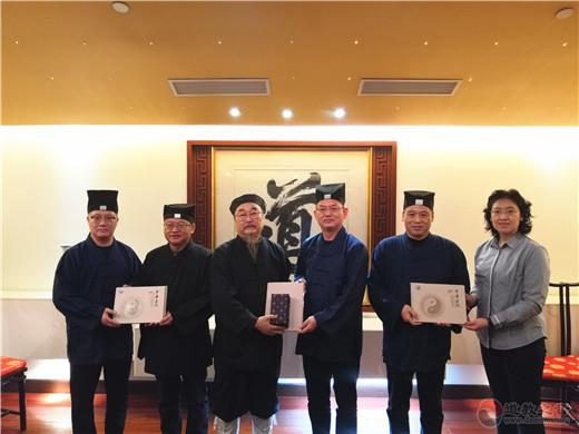 北京市道教协会访问团到上海城隍庙学习调研
