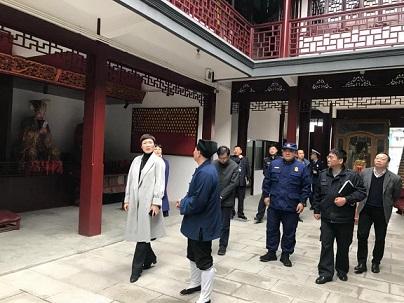 上海市浦东新区金桥镇领导赴社庄庙调研