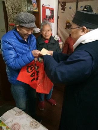 上海市三元宫坤道院走访慰问社区困难家庭