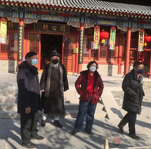 北京市民族宗教委主任钟百利检查怀柔区关公庙防疫工作