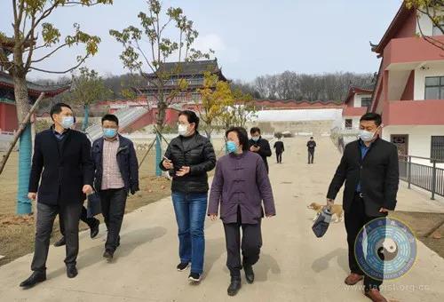 南京市江宁区民宗局局长一行到方山洞玄观督查消防安全与疫情防控工作