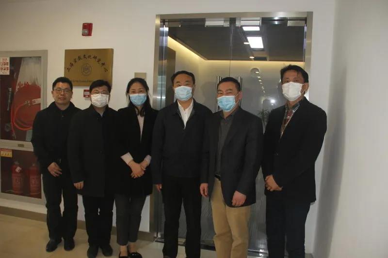 上海市委统战部副部长王霄汉走访调研上海宗教文化研究中心