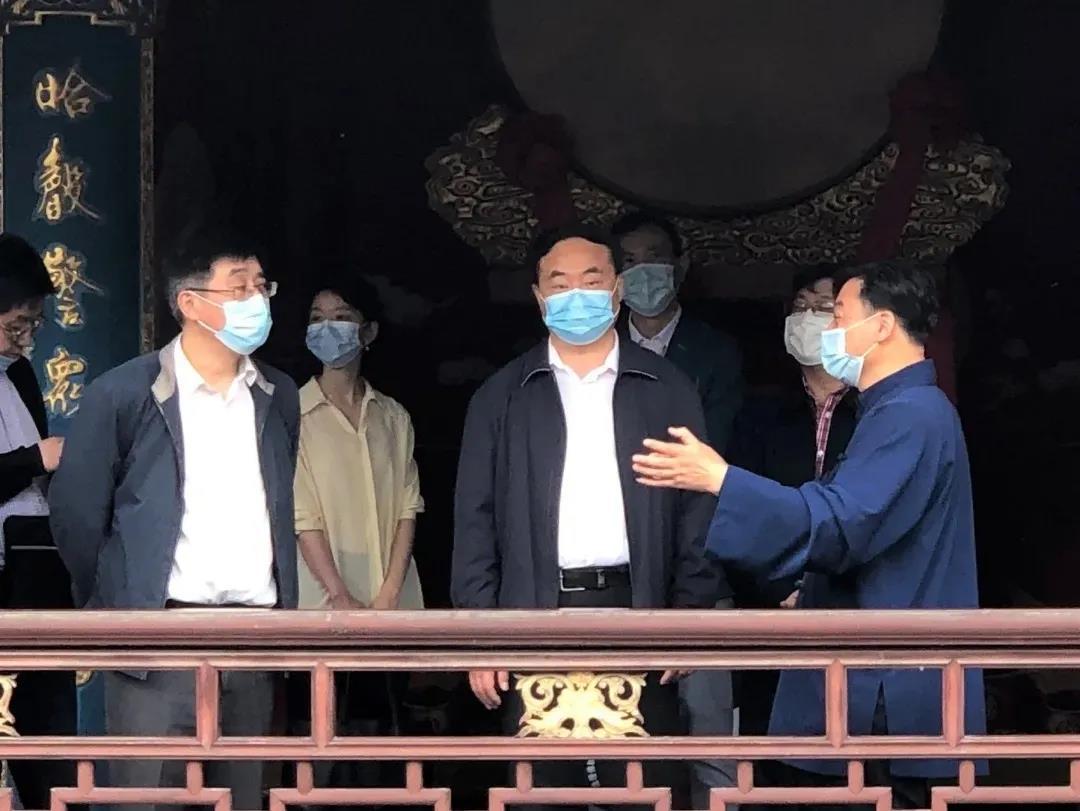 上海市委统战部副部长王霄汉赴青浦区调研民族宗教工作