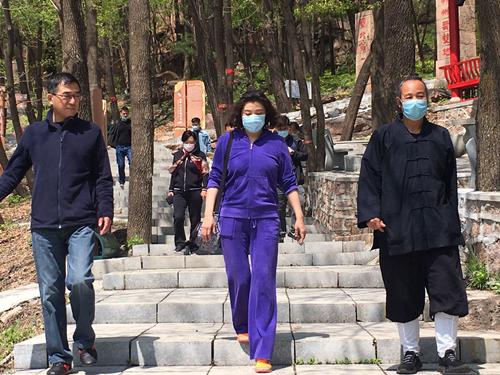 哈尔滨市民宗局检查道教活动场所疫情防控和安全工作