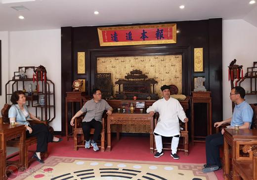 陕西省汉中市政协党组书记严维佳一行视察市道协青龙观