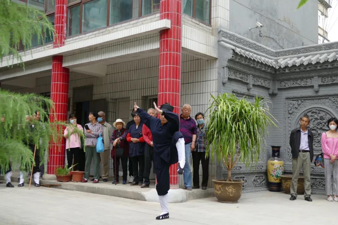 兰州白云观举行经乐团、武术研究中心及书画院成立揭牌仪式