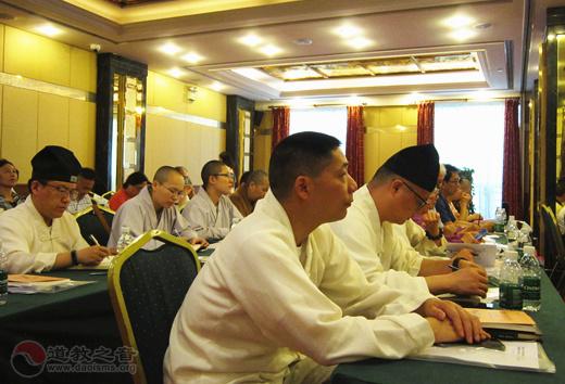 上海城隍庙道众积极参与黄浦区民族宗教法制宣传学习月活动