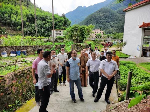 广东省民族宗教委组织各全省性宗教团体负责人赴秤架村考察帮扶工作成效