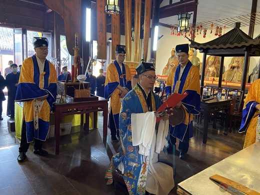 苏州城隍庙众皈依弟子参拜上清灵宝天尊恭祝圣寿