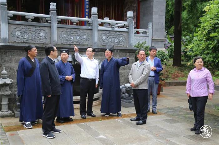 云南省委常委、统战部部长张国华走访调研全省性宗教团体