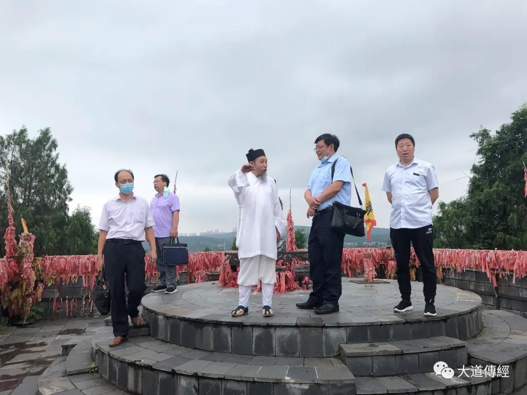 湖北省民宗委民族二处处长到武汉大道观调研
