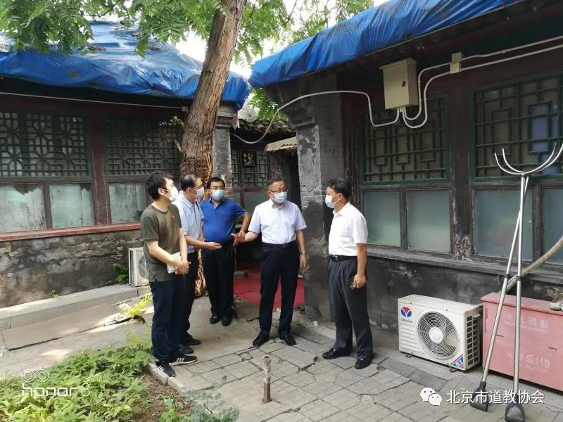 北京市文物局局长陈名杰到立马关帝庙调研并检查汛期安全工作