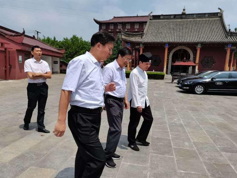 江苏省民宗委二级巡视员张全录检查督导宗教活动场所安全与防汛工作