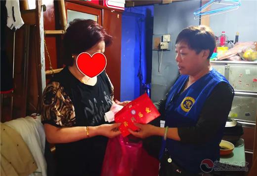 上海慈爱公益基金会慈爱之星:与慈善结缘的王桂香