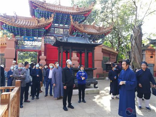 昆明市宗教界代表人士培训班到云南省道协龙泉观参观交流