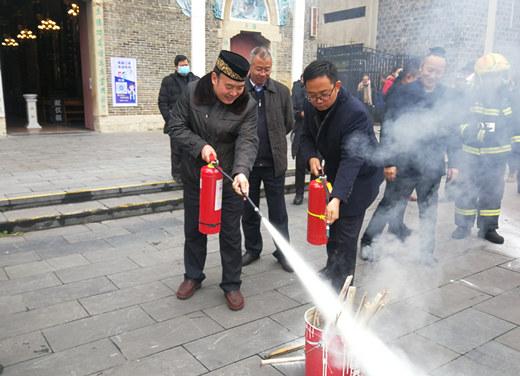 贵州省民宗委组织开展宗教活动场所消防安全培训演练活动