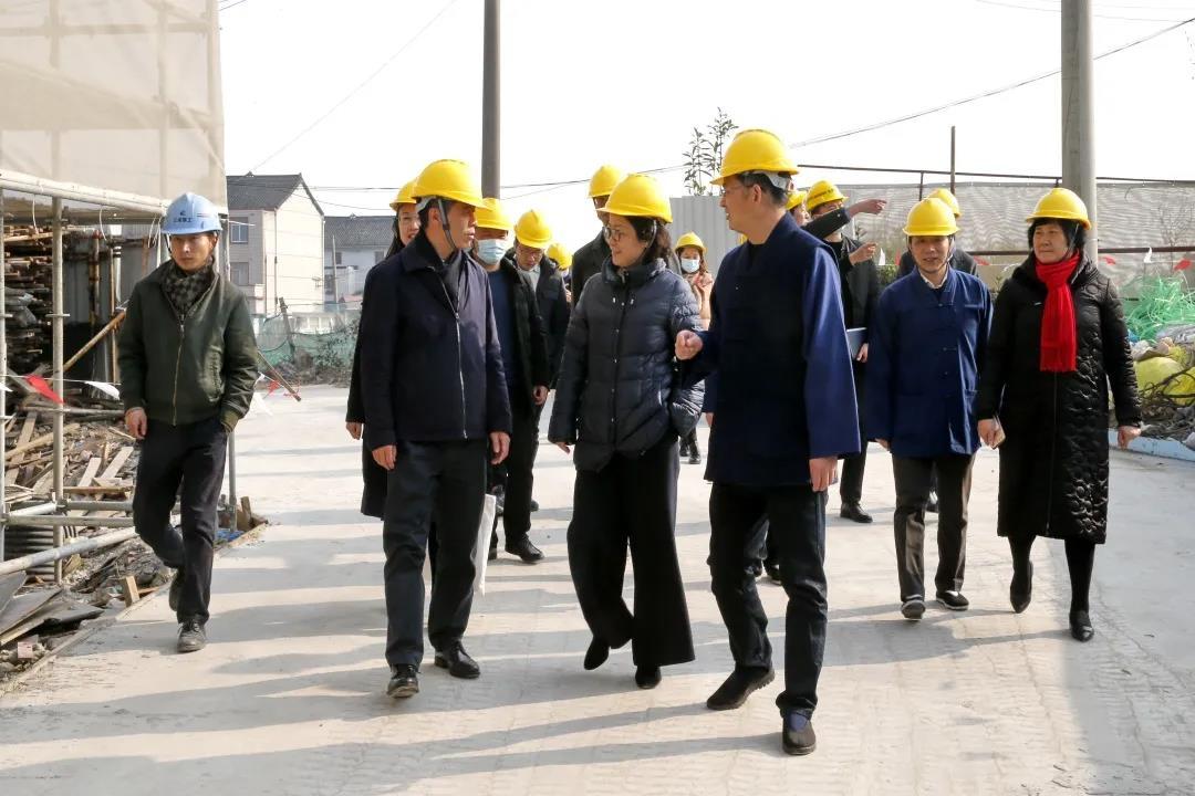 上海市闵行区委常委、统战部部长李红珍赴浦江镇检查宗教场所安全工作