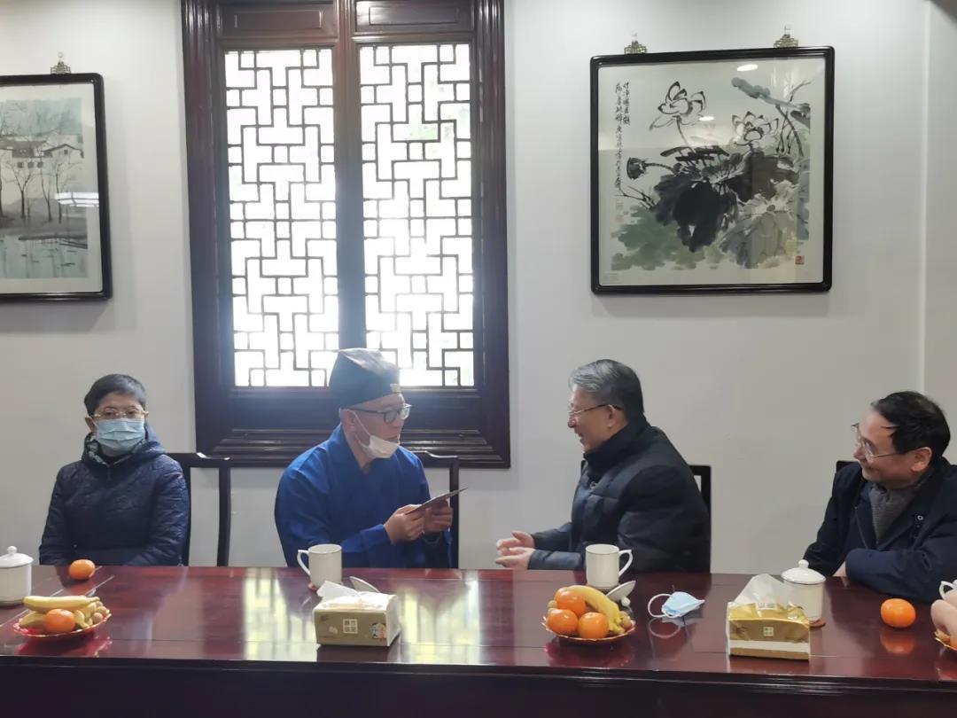 上海市人大常委会副主任沙海林赴上海白云观走访慰问