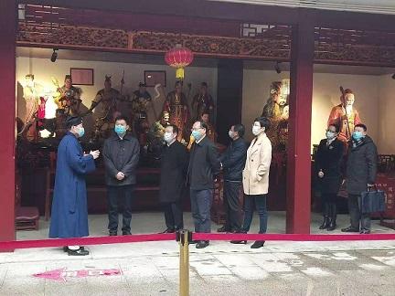上海市浦东新区区委统战部长张峰赴社庄庙调研