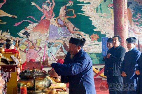 平凉市道教协会赴泾川王母宫开展爱国主义和法制宣传教育督导工作