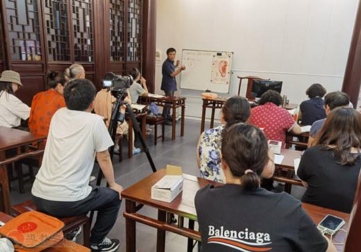 上海慈爱公益基金会志愿者能力建设特色培训课程结业
