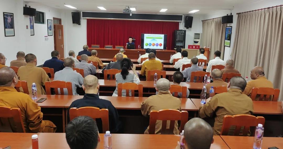 上海市闵行区开展宗教活动场所消防安全培训演练
